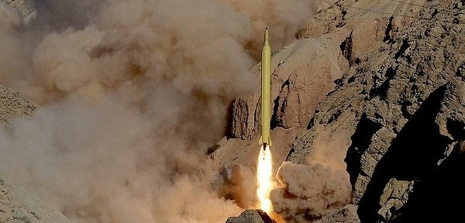 FeaturedImage_2016-08-11_FarsNews_Ballistic_Missile