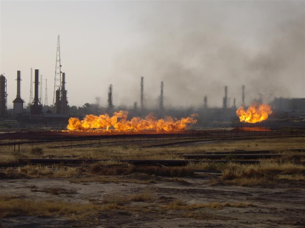 An oil field in Kirkuk. Photo: Ian Terry / flickr