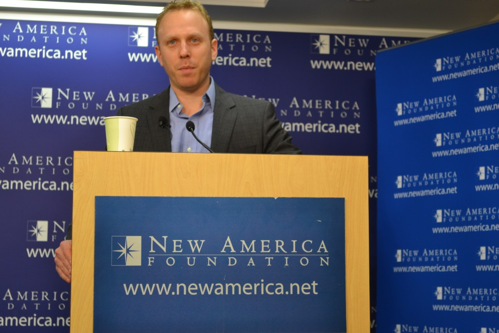 Max Blumenthal speaks at the New America Foundation, December 4, 2012. Photo: New America Foundation / flickr