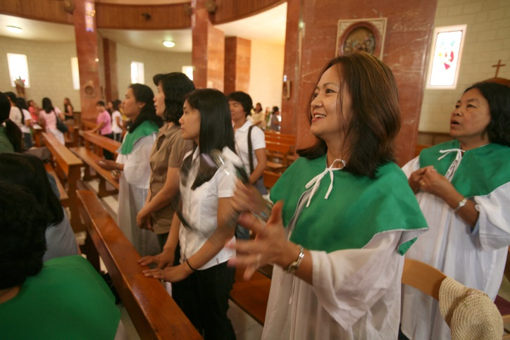 A Filipino church service in Jerusalem. Photo: Yossi Zamir / Flash90