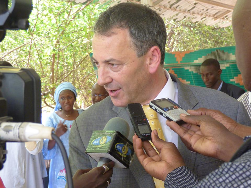 Israeli Ambassador to Senegal Paul Hirschson speaks at a press conference, September 2015. Photo: Israel au Sénégal / Facebook