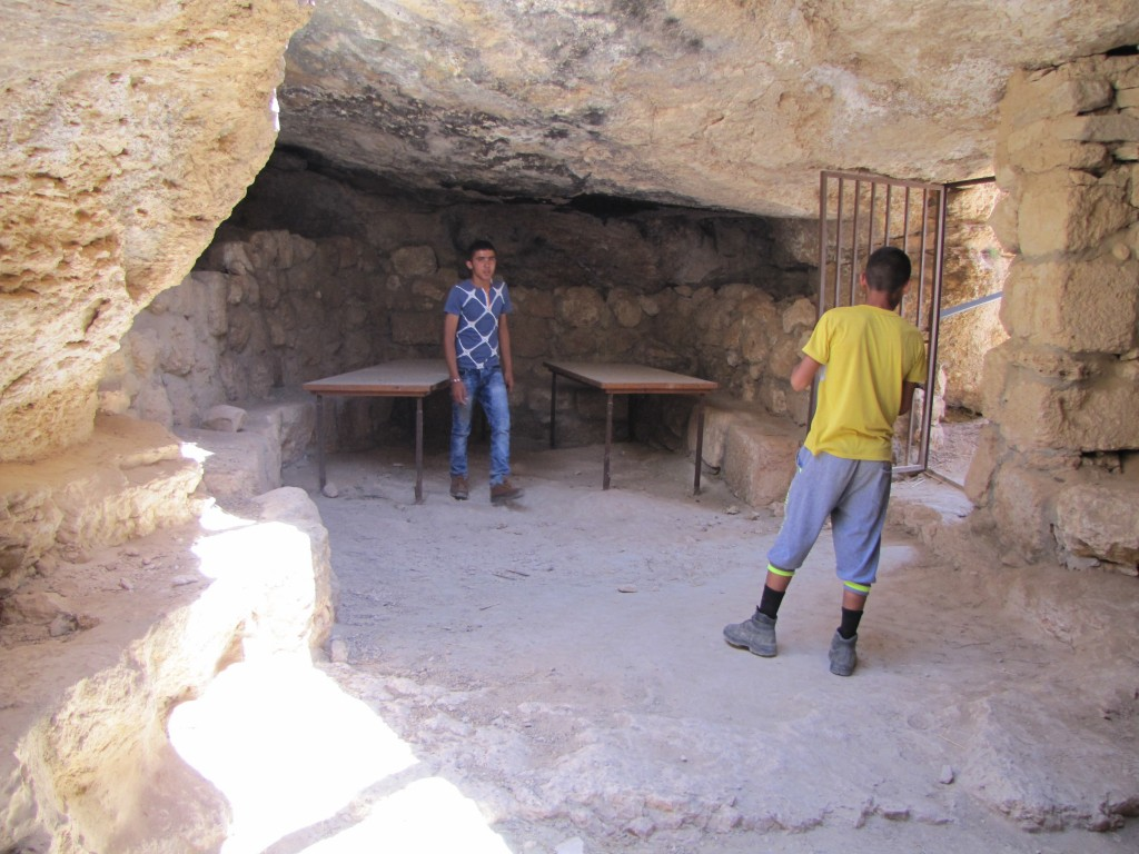 A cave dwelling at the Susiya archaeological park. Photo: Jim Haber / flickr