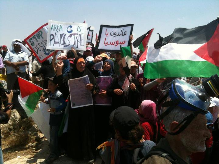 A demonstration against the demolition of Khirbet Susiya, June 2012. Photo: Mr. Kate / Wikimedia