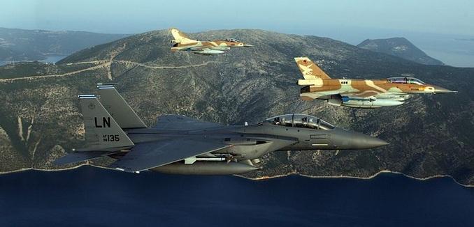 FeaturedImage_2017-03-27_WikiCommons_Israeli_AF_F-16_USAF_F-15_2016