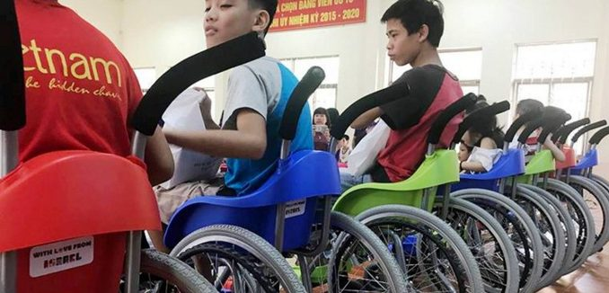 FeaturedImage_2017-07-14_Israel21c_WheelchairsOfHope-VN-768x432