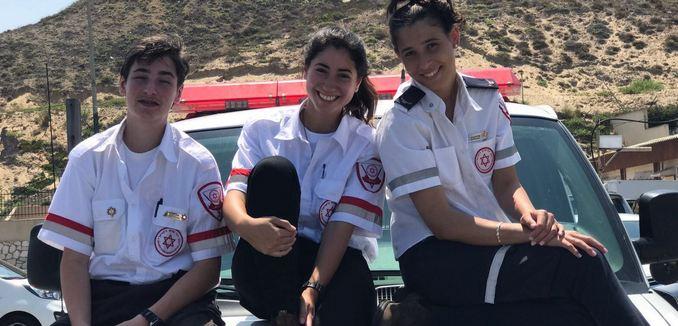 FeaturedImage_2017-11-07_Israel21c_mda-volunteers