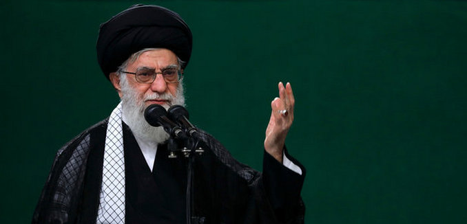 FeaturedImage_2017-11-10_MehrNews_Khamenei_2630395