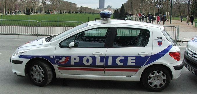 FeaturedImage_2018-03-02_WikiCommons_1024px-Peugeot_french_police_6316