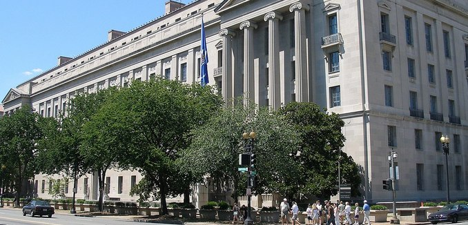 FeaturedImage_WikiCommons_1200px-U.S._Department_of_Justice_headquarters,_August_12,_2006