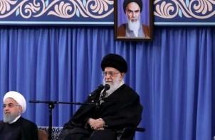 FeaturedImage_2018-11-27_IRNA_Rouhani-Khamenei_n3658496-6744593