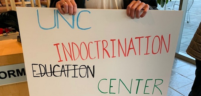 FeaturedImage_2019-03029_Peter_Reitzes_UNC_Protest