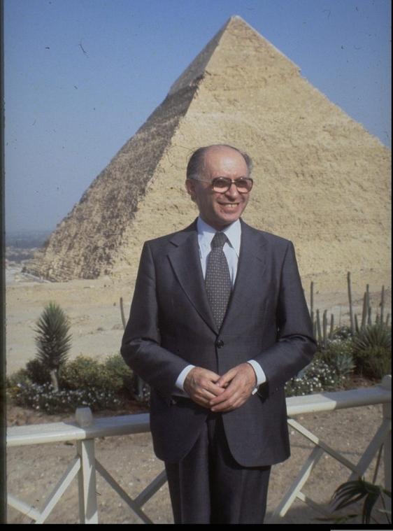 PostPicture_Begin_pyramid